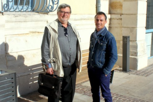 Au gauche Thierry Averty, à droite son successeur au poste de placier Laurent Guigon
